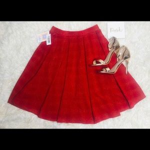 ❤️LulaRoe❤️ Red and Gold Circle Skirt